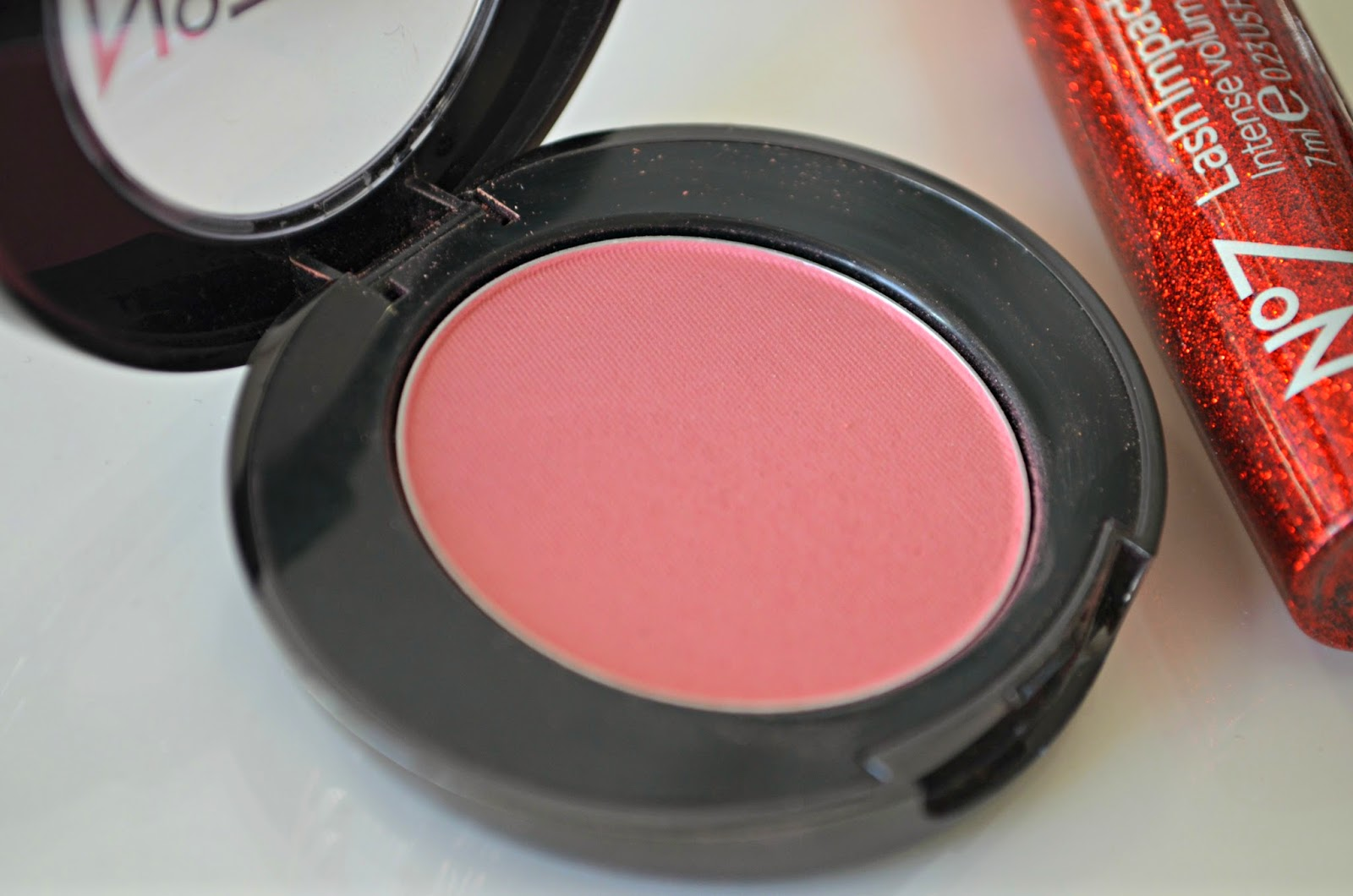 no 7 Natural Blush Tint Powder in Coral Flush
