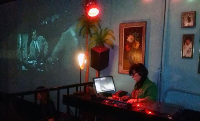 DJ y proyección en bar El Fabuloso - Tusolovivemadrid