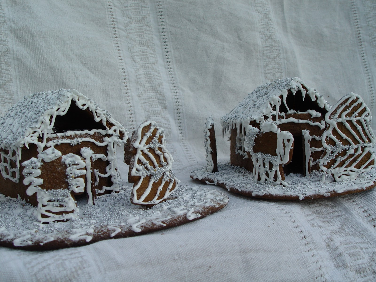Marzipart Piparkakku Finnish Gingerbread Houses