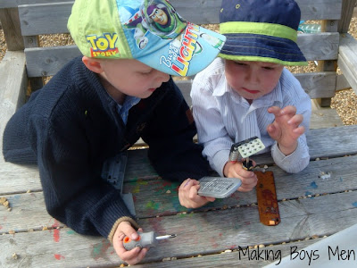 Tinkering, exploring how things work with kids from Making Boys Men
