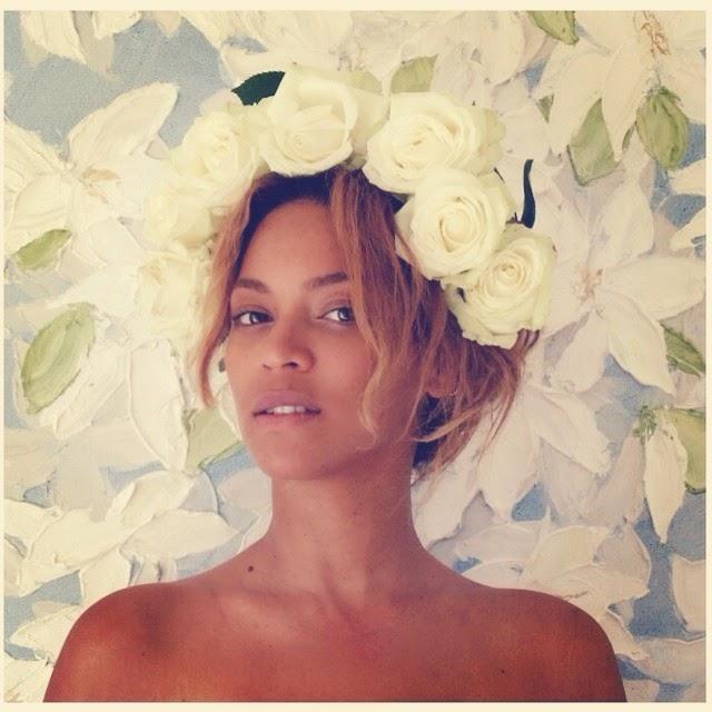 Depois de tantas polêmicas por conta do suposto uso de Photoshop, parece que Beyoncé decidiu pegar leve nas recentes fotos divulgadas na web