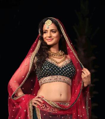 Ameesha Patel Indian Bridal Fashion Week
