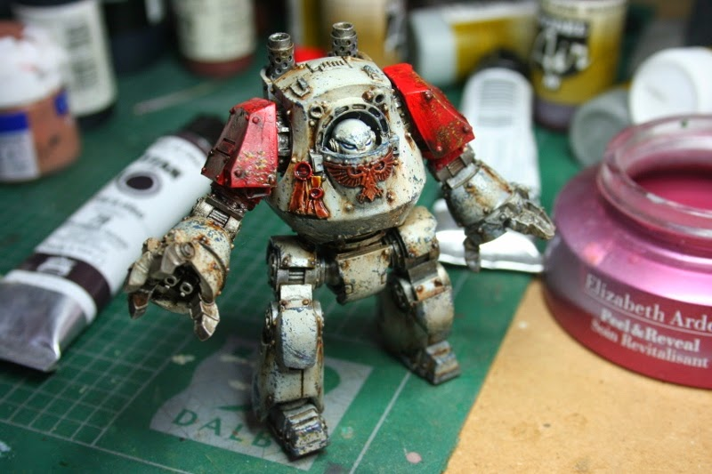 Foto frontal del Dreadnought Contemptor montado