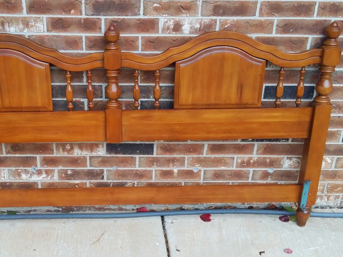Solid wood king size maple headboard (OKC Craigslist) : Craigslist Garage Sales - Oklahoma City
