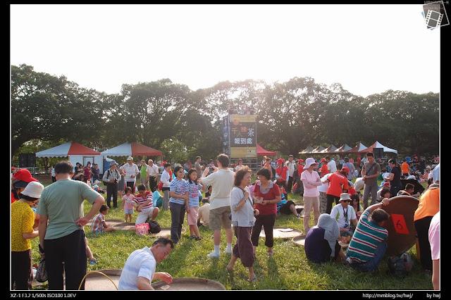 2013-10-11 千人揉茶在--南投世界茶葉博覽會