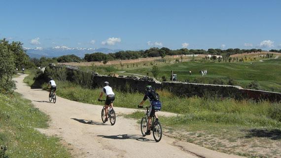 Bicis y Golf sobre los túneles de la M-40