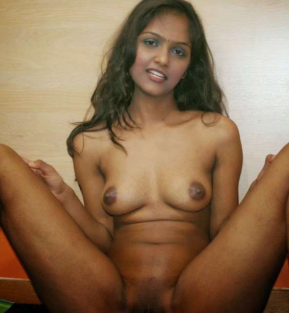Indian Beautiful Topless Collage Girl Dipu Showing Pussy Licking Nude