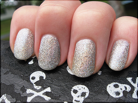 Kinky tail la girl 3d silver and revlon nail art stencils la girl 3d silver and revlon nail art stencils prinsesfo Choice Image
