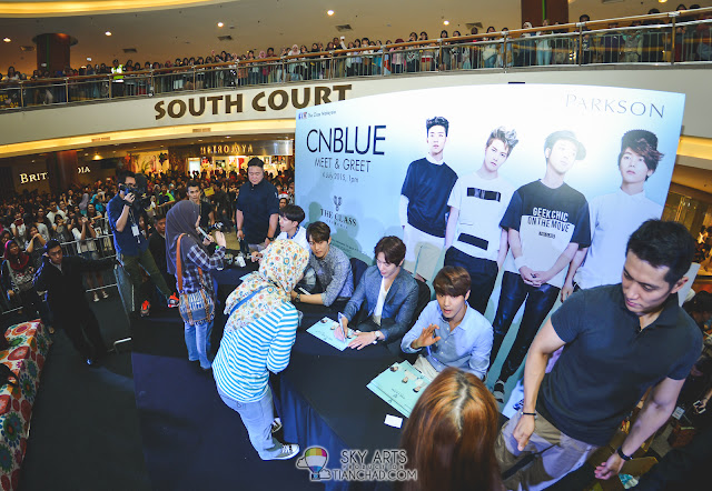 Meet N Greet Autograph session  - CNBLUE x The Class Meet & Greet @ Mid Valley Megamall