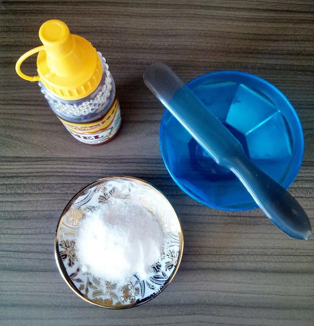 Esfoliação caseira com açucar e mel.