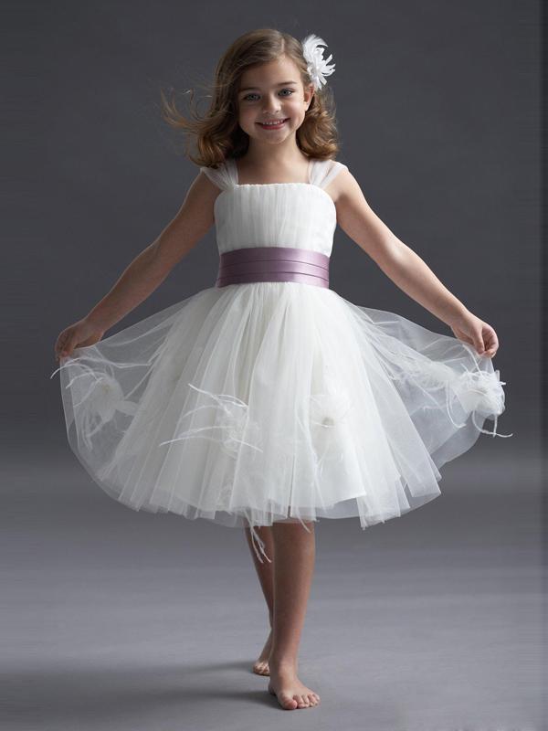 http://www.1robe.fr/robe-fille-blanc-en-tulle-wx365.html