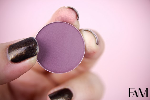 Mac Blackberry Eyeshadow - Review, Swatches, Photos