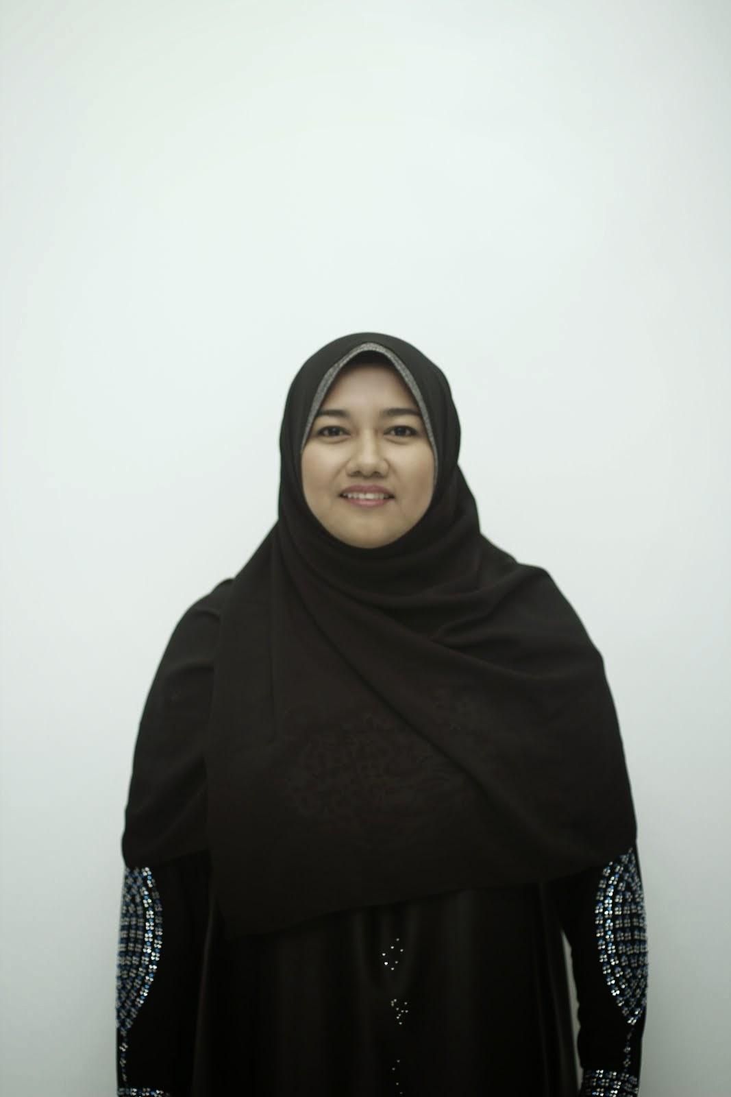 Pn Siti Meriam (Guru)