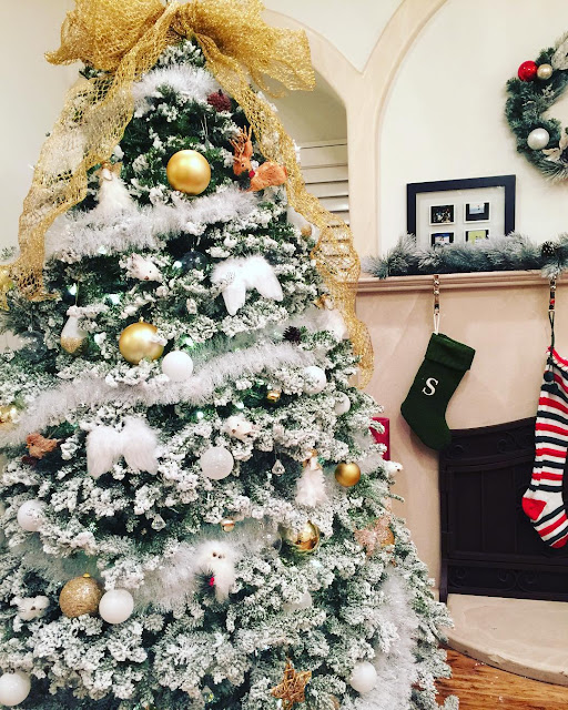 The Best Of Celebrity Christmas Trees @bellathorne - Cool Chic Style Fashion