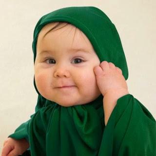 Bayi cantik imut muslim berjilbab