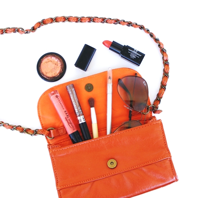 Jelena Zivanovic Instagram @lelazivanovic.Glam fab week.Burnt orange makeup.Best flatlays.