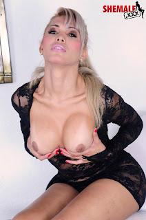 Milena Vendraminny transessuale bionda con grosso cazzo
