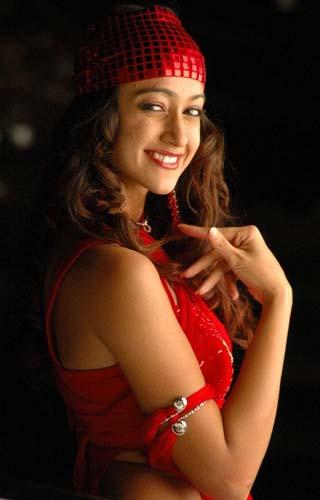 Heroine Ileana Aata movie stills pics1