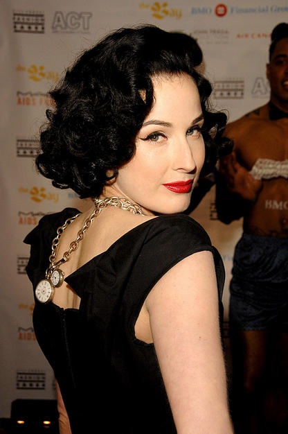 http://2.bp.blogspot.com/-vlVWqy3VmCU/TfdWxmwgt2I/AAAAAAAAFrg/dGiHUJikOBQ/s1600/black_short_curly_hairstyle_black+wavy+hairstyle.jpg