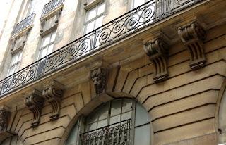 Balcon 1 rue du Mail à Paris
