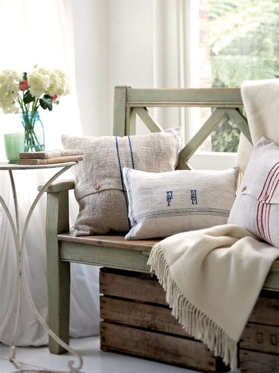 Nice 25 Ideas For Decorating With Pillows