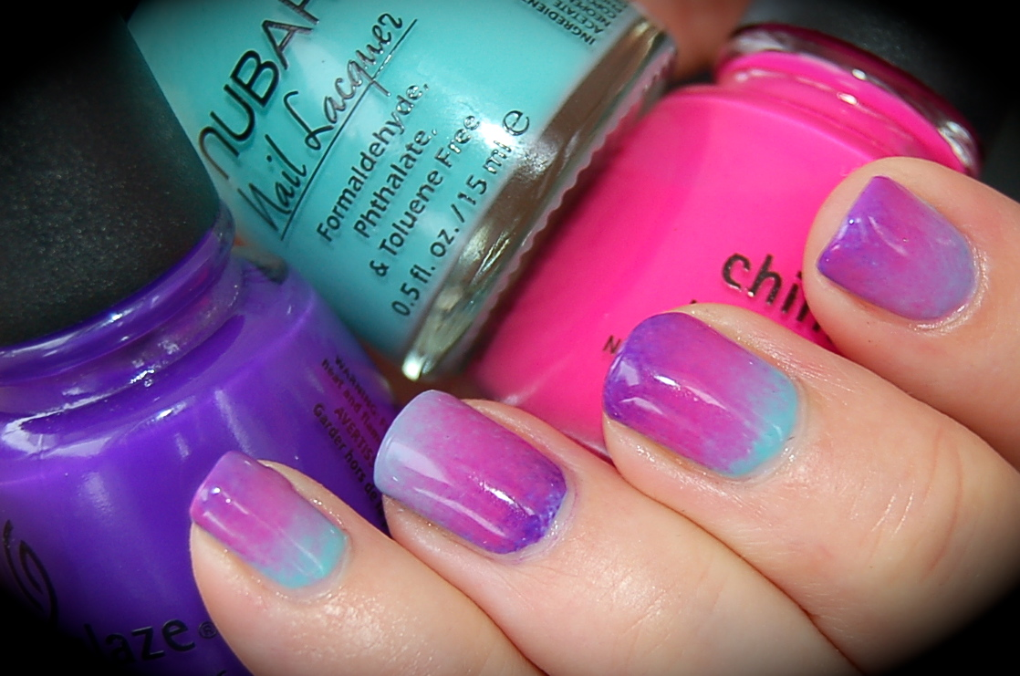 Nail Art gradient manicure, manikyr, China Glaze Escaping Reality, Creative Fantasy, Nubar Blue Raspberry, nail polish, blogg nagellack