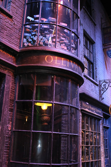 Olivianders wands shop Harry potter