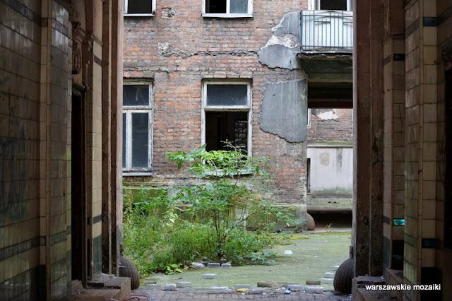 Warszawa Wola ulica kamienica przedwojenna opuszczone Warsaw podwórko