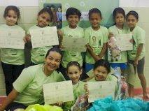 Entrega das camisetas, certificação, medalhas e bonecos Viva e Verde - 08-11-12