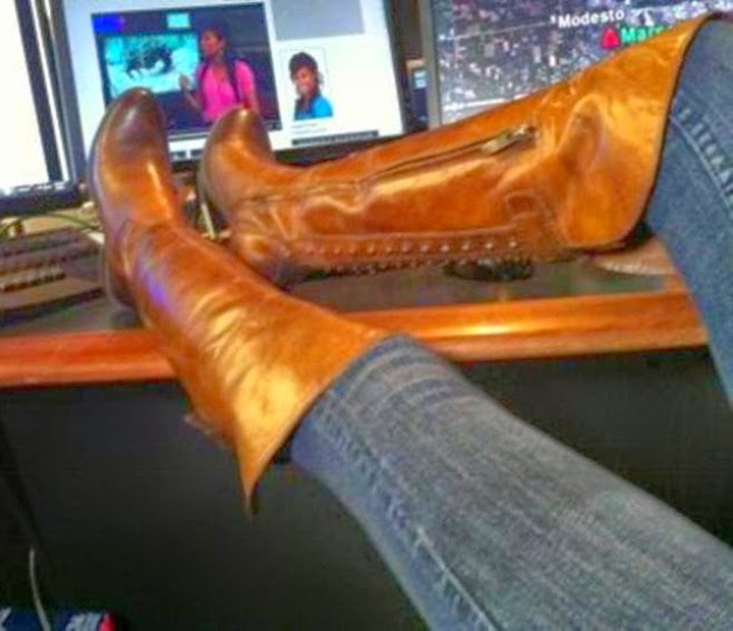 BOOTSIES! BOOTSIES! THEY'RE BOOT SELFIES!!    CLICK ON ANNALEE'S BOOTS TO SEE MORE BOOT SELFIES!!