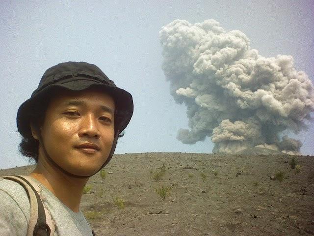 volcano trekking guide