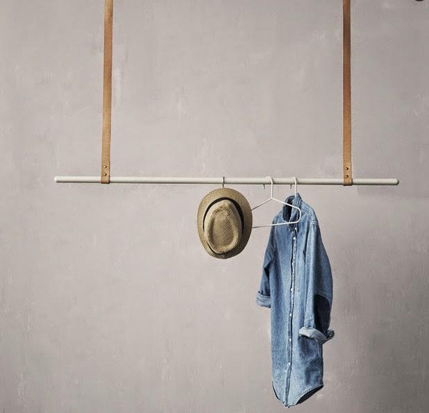 Skandivis clothes hanger