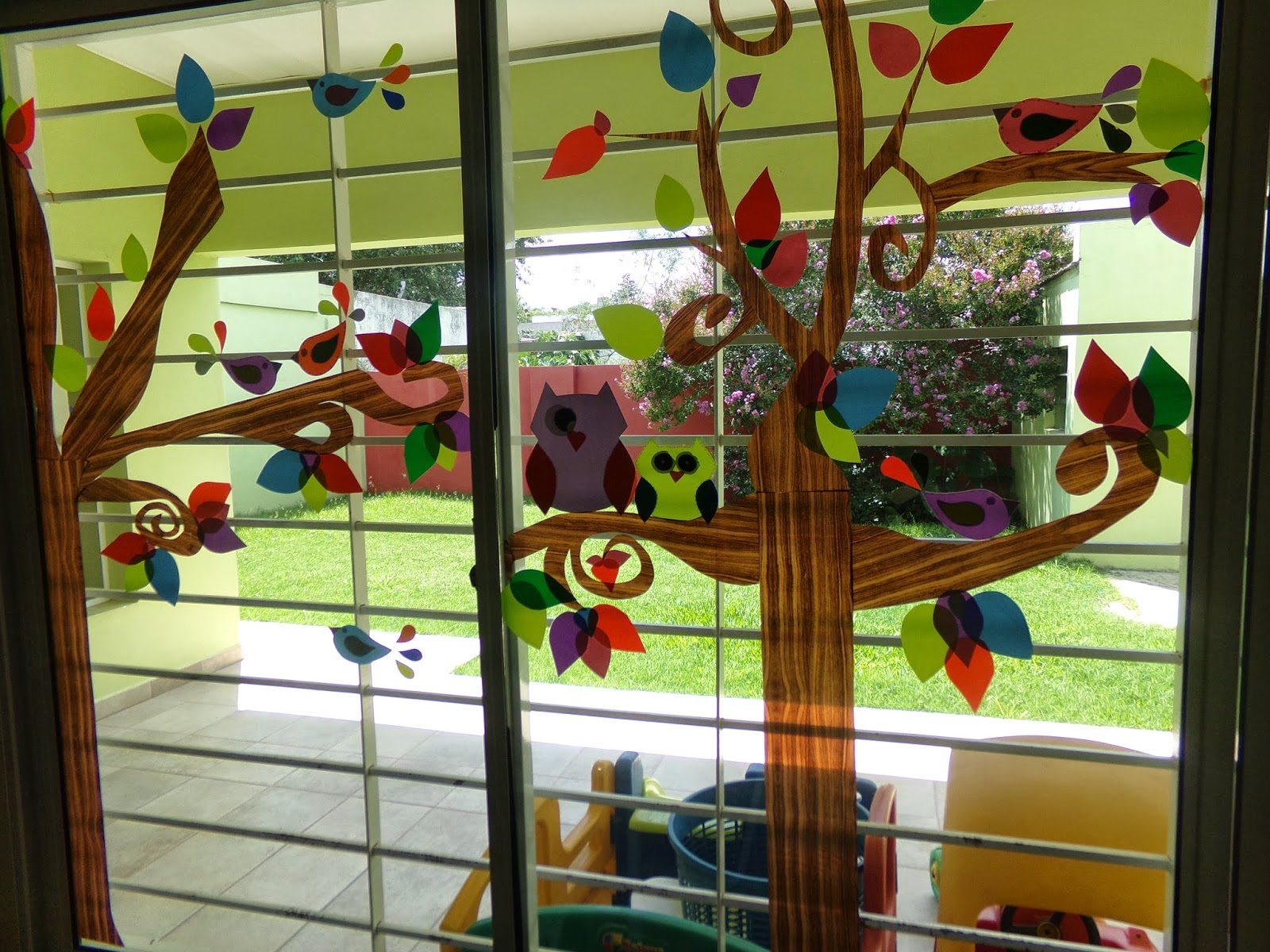 Jard n maternal creciendo kids for Decoracion jardin maternal