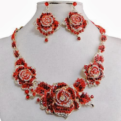 Triple Flower Rose Necklace Set