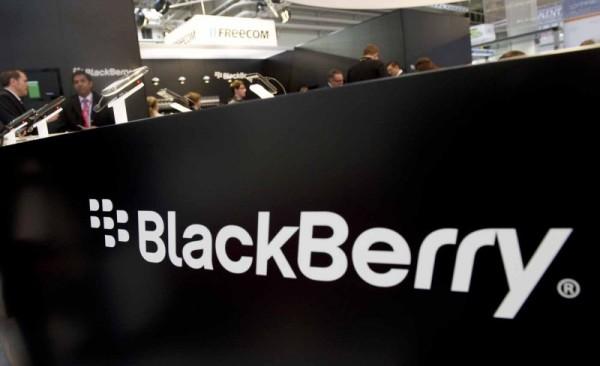 BlackBerry es una vez más la principal compañía de tecnología de Canadá. Esta es la quinta vez consecutiva que BlackBerry ha ganado el primer lugar, a pesar de todo el pesimismo que rodea a la empresa. BlackBerry tuvo 11,8 mil millones dólares de ingresos en 2013, por un masivo 40% respecto al año anterior. Branham Group, el grupo detrás de la investigación sobre este tipo de información señaló que, dependiendo de los ingresos de BlackBerry este año, el año que viene puede que el primer lugar no sea para BlackBerry. Esta es una muy buena noticia. Teniendo en cuenta que