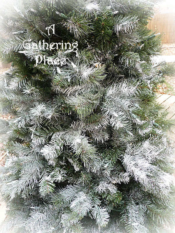 how to paint your christmas tree winter white wonderland. Black Bedroom Furniture Sets. Home Design Ideas