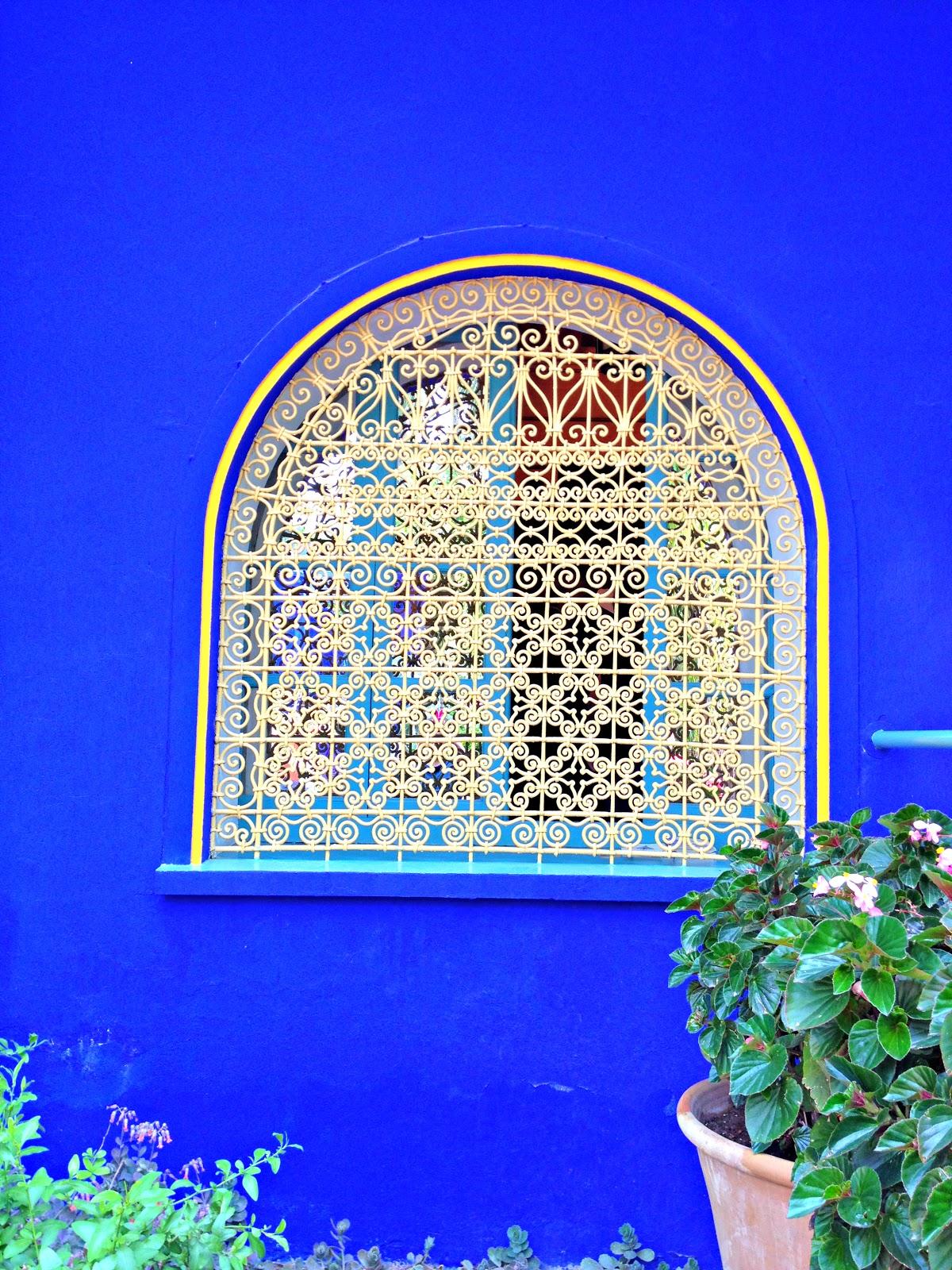 un blog une maman un blog de maman mais pas que balade bleue au jardin majorelle. Black Bedroom Furniture Sets. Home Design Ideas