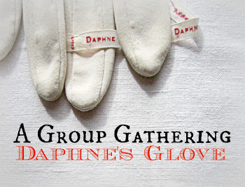 Link to 2015 Daphne's Glove Artists