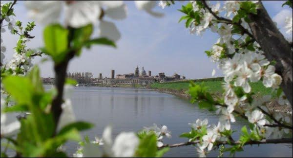 Mantova vestita di primavera