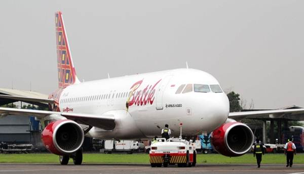 Geblek! Pria Ini Di Tangkap di Pesawat, Gegara Bercanda Bilang Bawa Bom