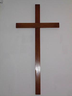 Pusty krzyż, pusty grób