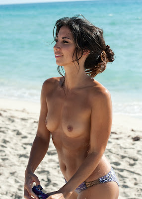 Leilani Dowding Topless Bikini Beach Photos In Miami
