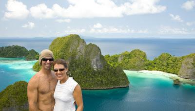 Sourire heureux sur les îles de Wayag, adventure in Raja Ampat, Wayag island, beautiful Wayag