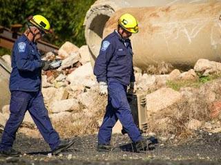 Τέσσερις άνδρες παγιδευμένοι κάτω από τα συντρίμμια σε βάθος 3 μέτρων ανακαλύφθηκαν με την βοήθεια της προηγμένης τεχνολογίας αναζήτησης και διάσωσης.