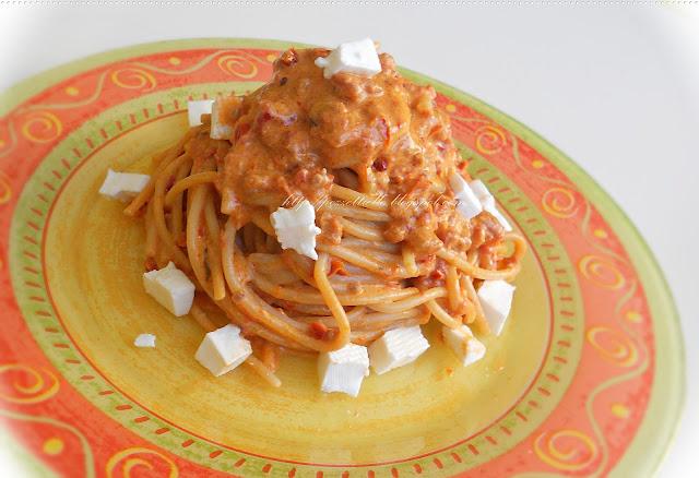 Spaghetti con salsa di pomodori secchi