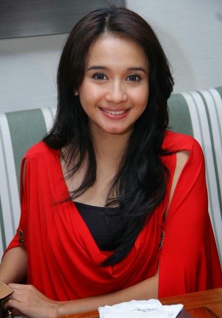 Biodata Artis Indonesia Perempuan