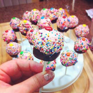 Cupcake Pops #cupcakes #pops #treats #dessert #party