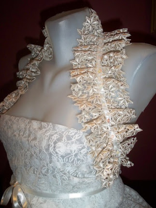 Shoulder Wrap Bridal Ruffled.Beige Lace
