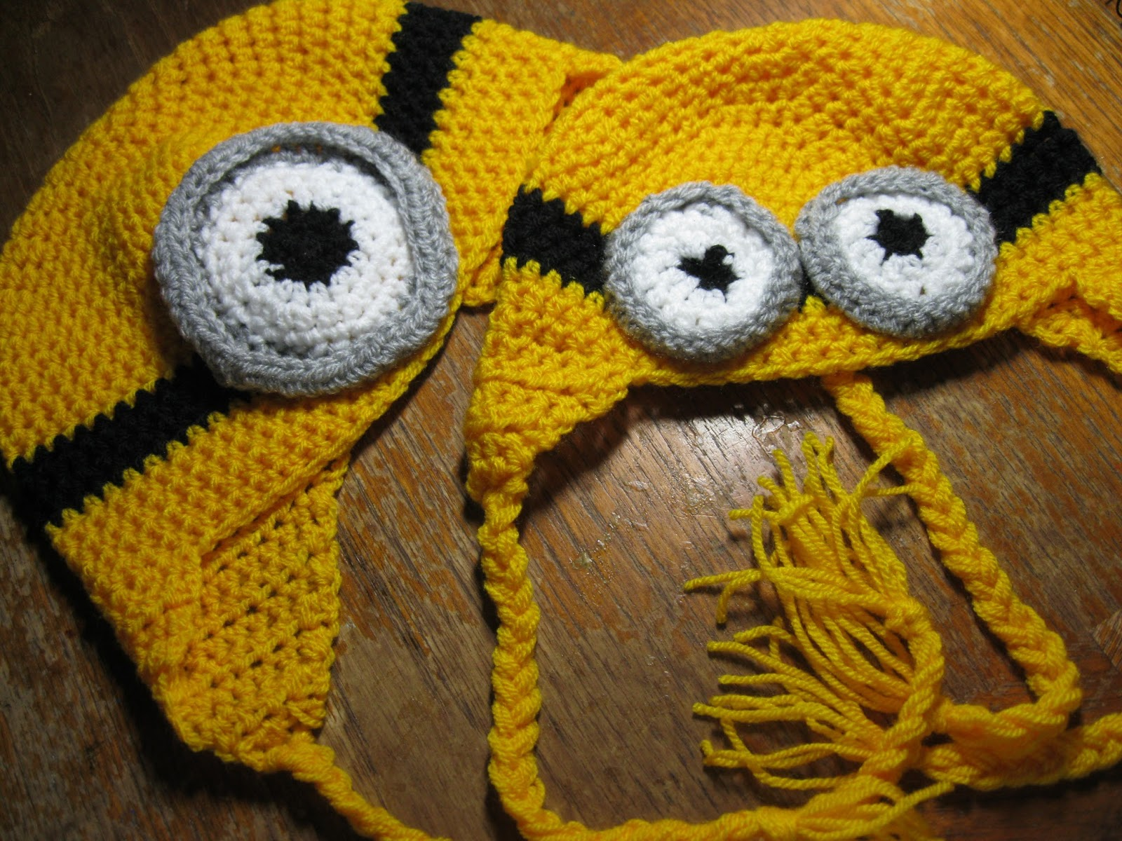 Wondra\'s World: Crafts and Crafting: Minion hats for Mama