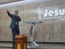 Pr. Daniel Vieira ministrando para pastores de BH